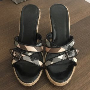 Excellent condition! Size 37 /US7 Burberry wedges